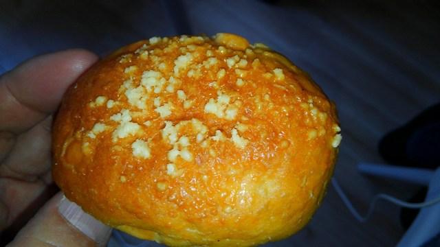 チーズ、ブランパン表面.jpg