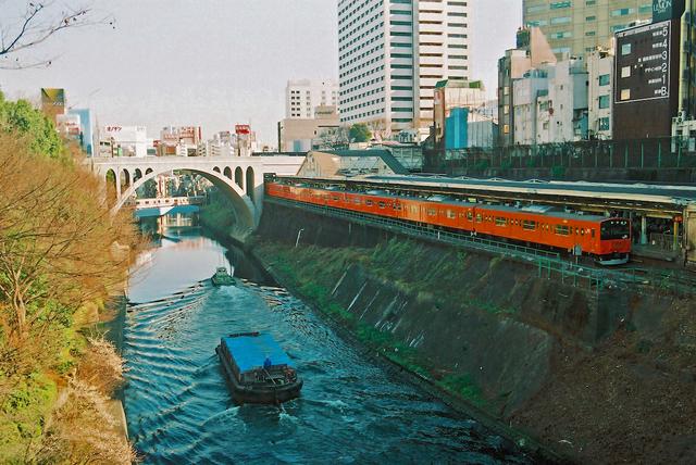 東京、神田川。お茶の水・水道橋.jpg